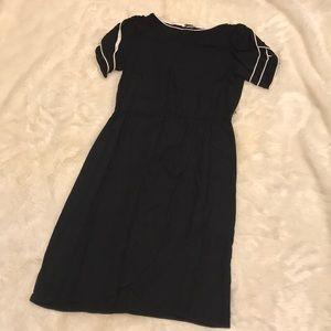 Vintage 70s 80s black & white ruffle sleeve dress